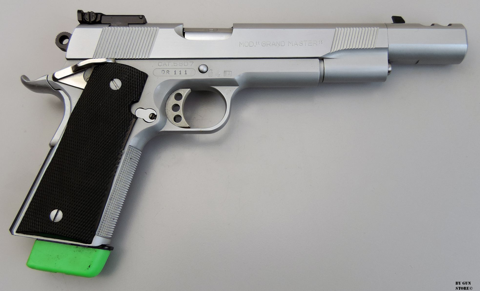 Gun Store Bunker Quot Ego Sum Bellum Quot Pistola A D C Armi